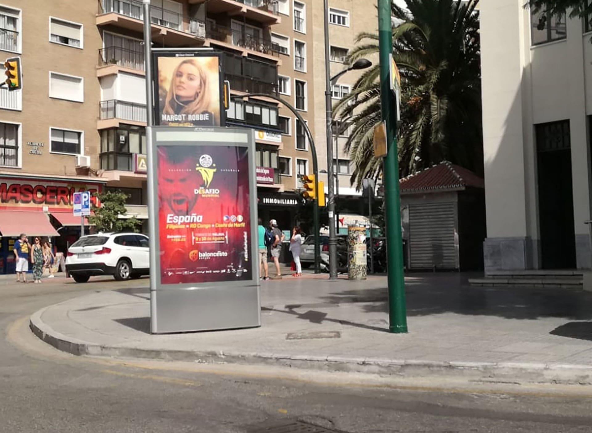 publicidad exterior en mupis para la Federación Española de Baloncesto