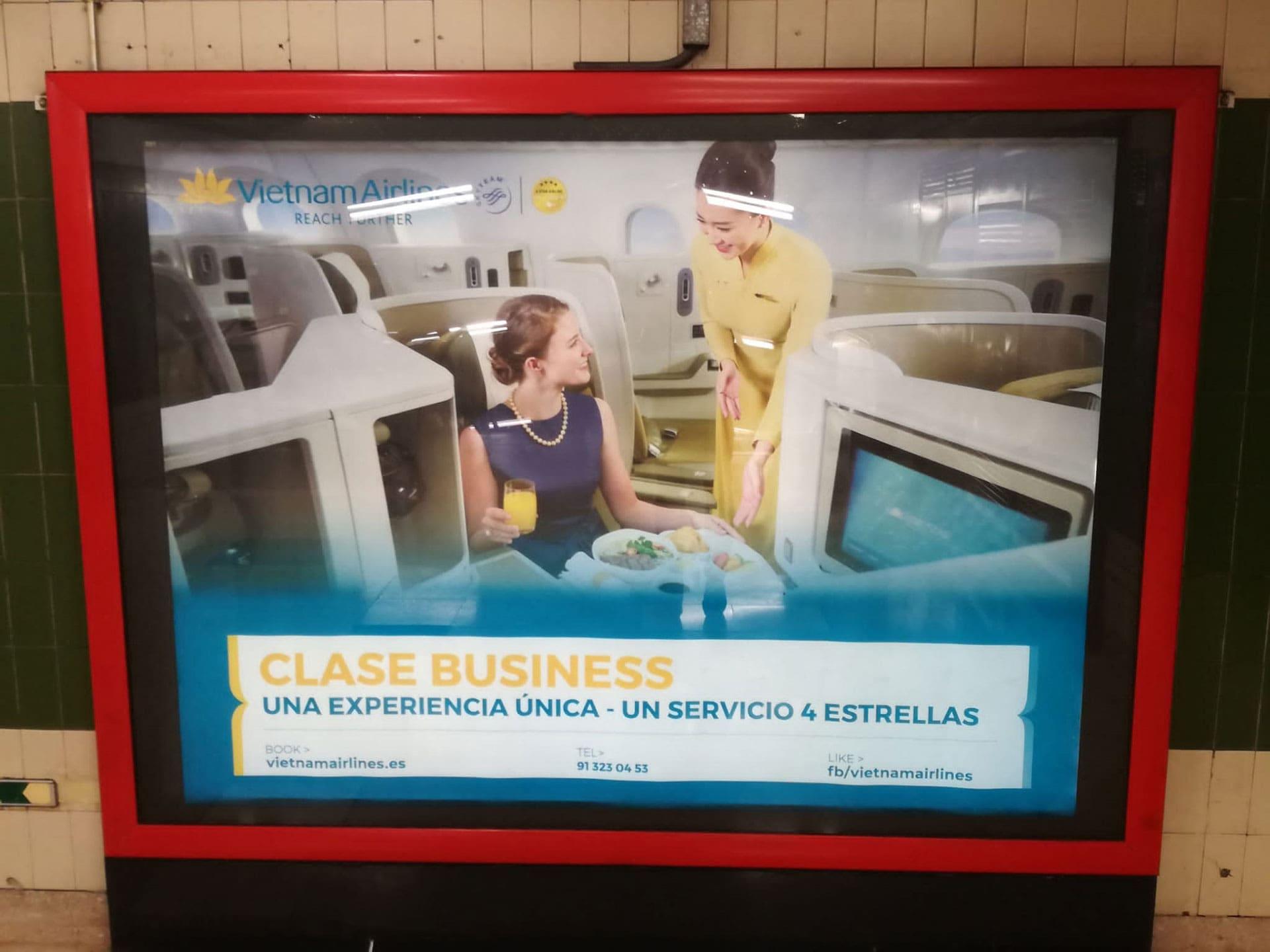 publicidad en metro Madrid - Vietnam Airlines by Anpublicidad