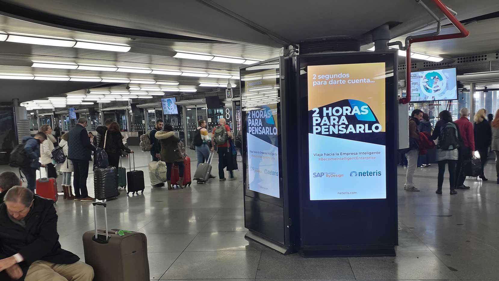 campaña publicidad estaciones de tren para Neteris