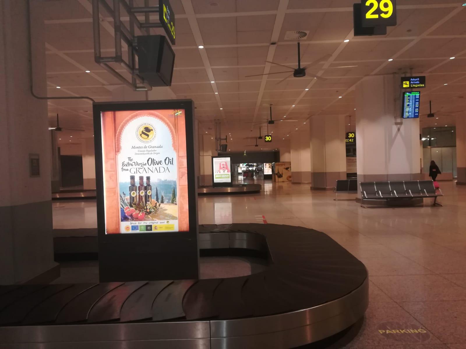 contratación de mupis en Aeropuerto